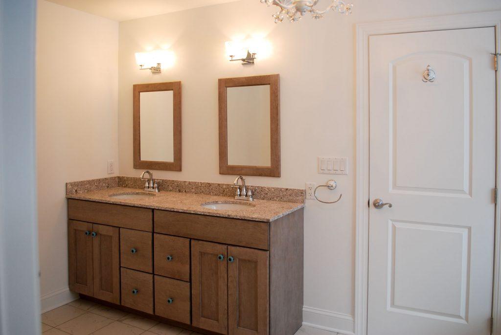 Baths Interiors   Summit Pointe Builders